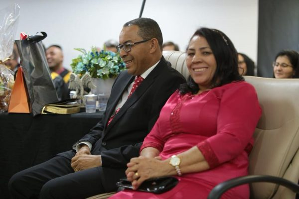 Pr. Aloizio Mendes e sua esposa irmã Aparecida Mendes – (FOTO: AD Hortolândia)